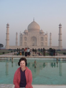 Kathy in front of the Taj Mahal